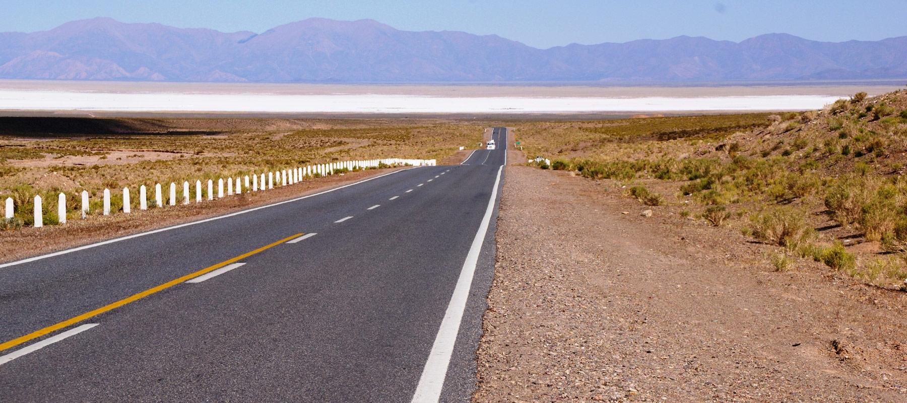 voyage dans les hauts plateaux andins a moto
