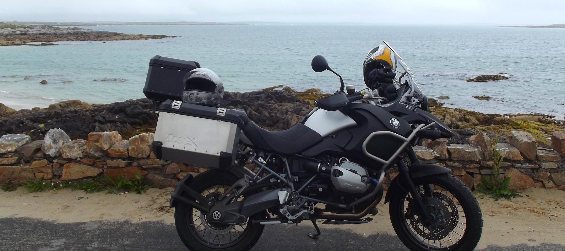coup d 39 oeil sur l 39 irlande moto avec west euro bikes. Black Bedroom Furniture Sets. Home Design Ideas