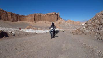 moto sur la Cordillère des Andes